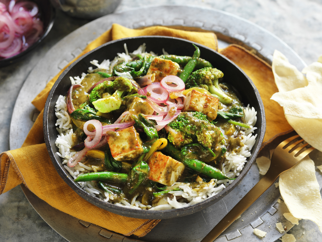 Saag Vegetable Curry with Paneer Cheese & Pickled Onion