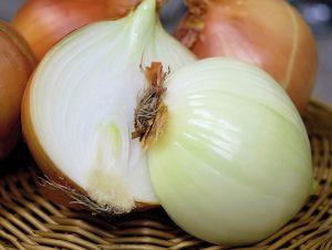 Brown onions for an onion pakora recipe