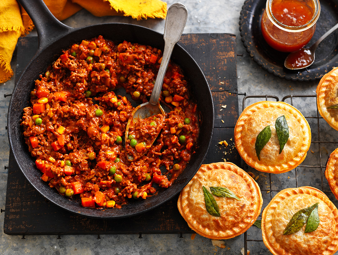 Mild Mince Curry Pie Maker Pies
